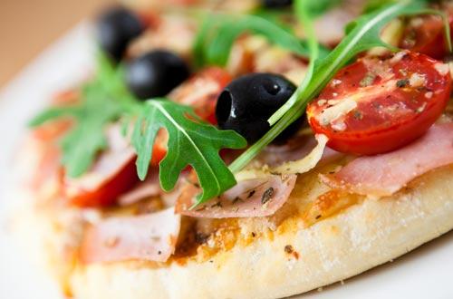 Nur für Sie, also die Gäste unserer Corso-Living Appartements, liefern wir auch gerne direkt Speisen aus unserem Restaurant Corso persönlich zu Ihnen nach Hause. Exklusiv & nur für Hausgäste!