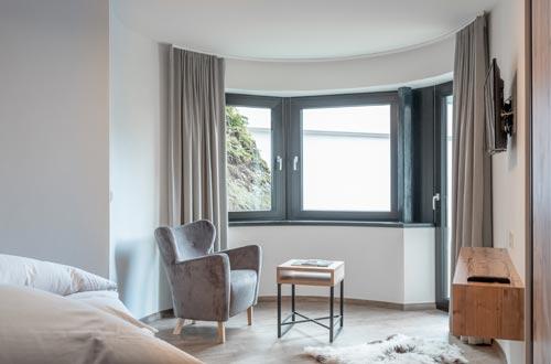 Viel Komfort und viel Platz für Familie und Freunde - 3 Schlafzimmer, 2 Badezimmer, Küche, Essecke, Aufenthaltsbereich, Terrasse und angrenzender Garten, ...